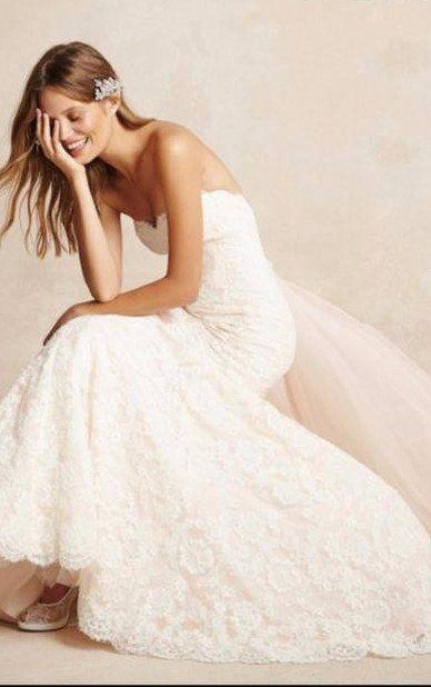 Monique Lhuillier 1522 Size 6 Used Wedding Dress Side View On Model Wedding Dresses Used Wedding Dresses Designer Wedding Dresses
