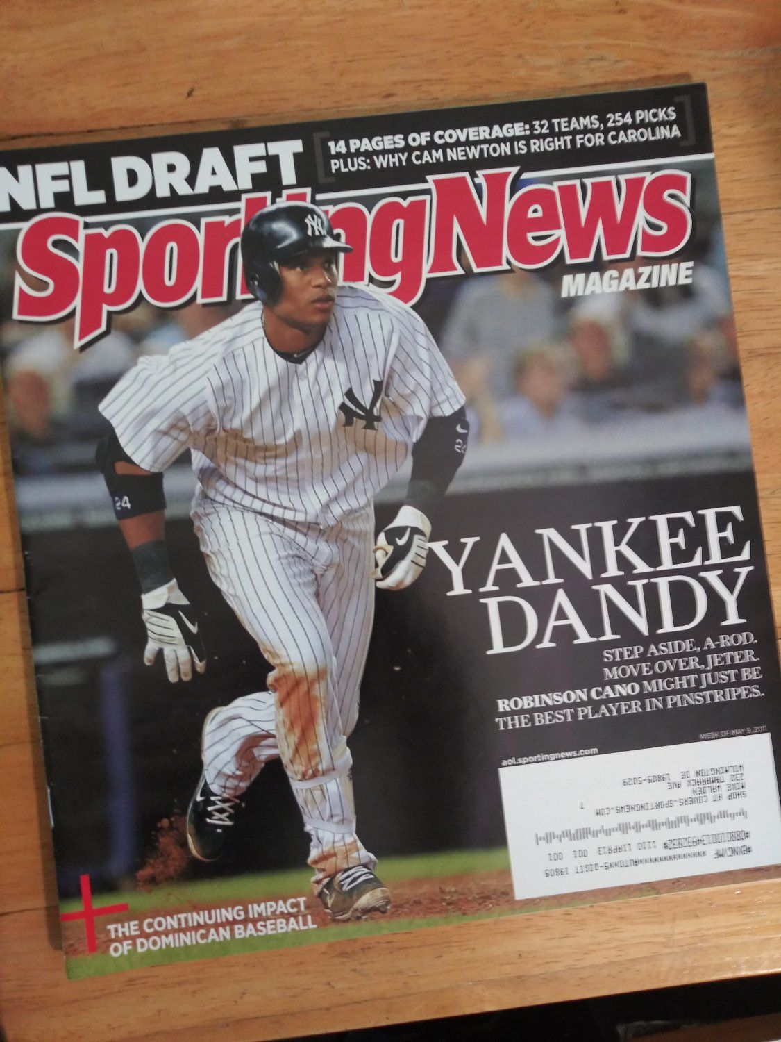 May 9 2011 Sporting News Featuring Robinson Cano Of The New York Yankees In 2020 Robinson Cano New York Yankees Robinson