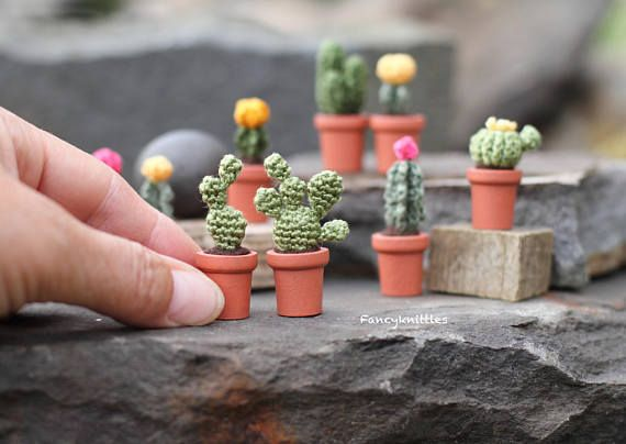 Opuntia cactus miniature crochet potted plant fake cacti