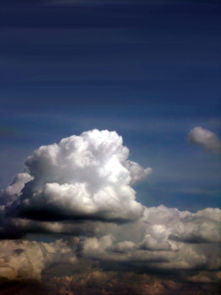 Clouds In The Blue Sky Blue Clouds Sky Blauer Himmel Wolken Blaue Tapete Hintergrundbilder