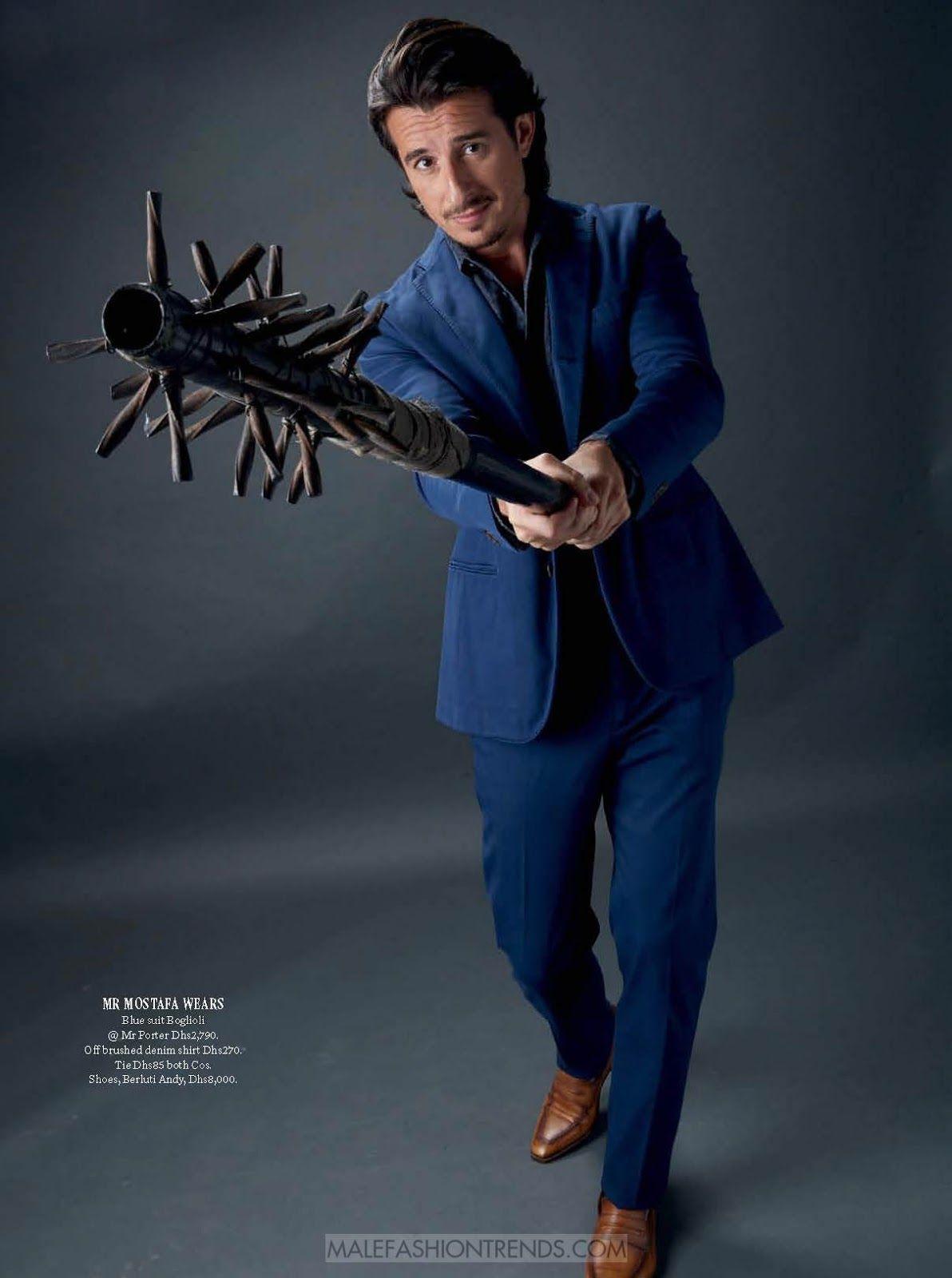 El creador de cine Ali Mostafa es el hombre en portada para el número de diciembre de Esquire Middle East
