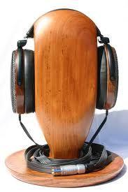 Un support à écouteurs en bois :)