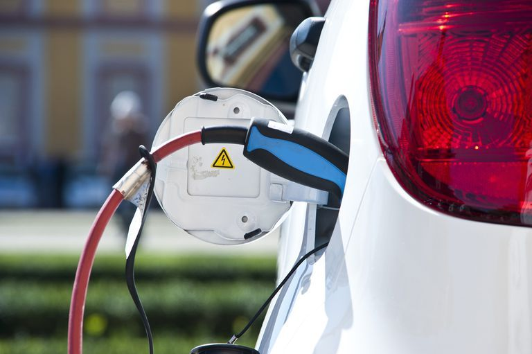 Hybrid Battery Care And Tips Ford Electric Car Electric Cars Uk