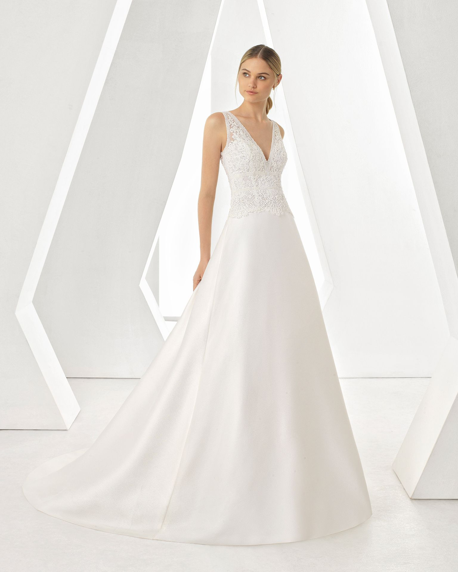 7163a411bf Vestido de Novia de Rosa Clará (DORIA)