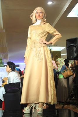 Baju Pesta Muslim Warna Gold Mode Wanita Model Brokat Dan