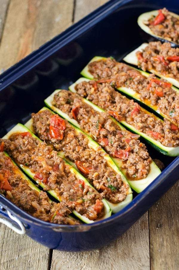 Photo of Zucchini boats with mince from the oven – low carb, high protein – a pinch of delicious