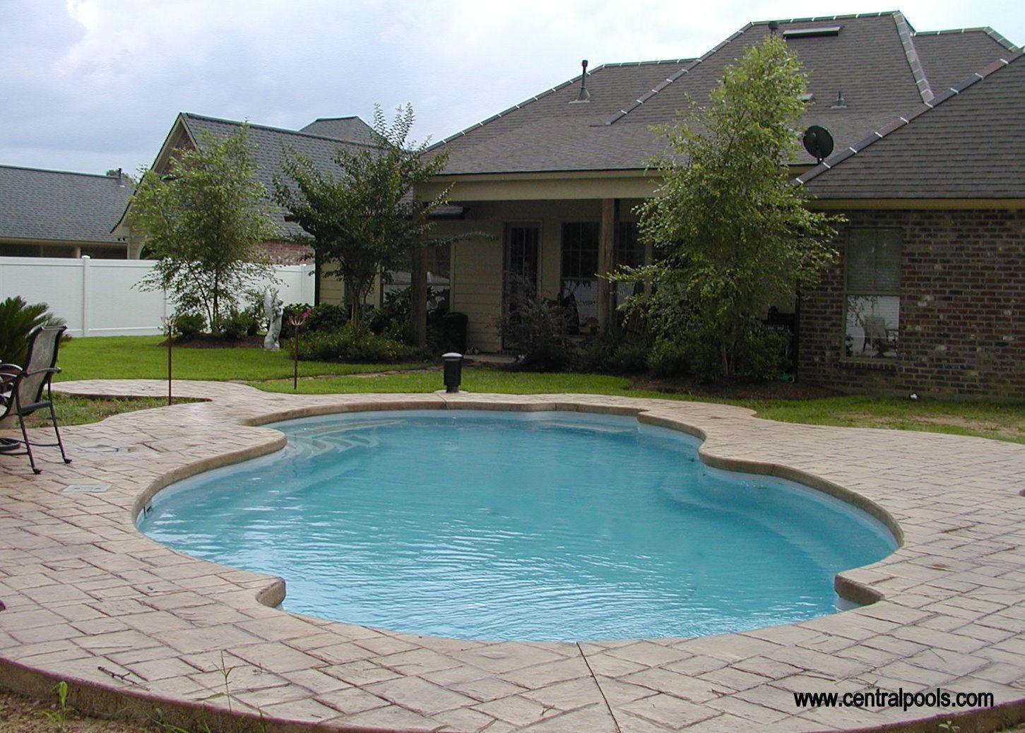 Central Pools Inc Fiberglass Swimming Pool Centralpools Com Pools Fiberglass Swimming Pools Fiberglass Pools Pool Houses