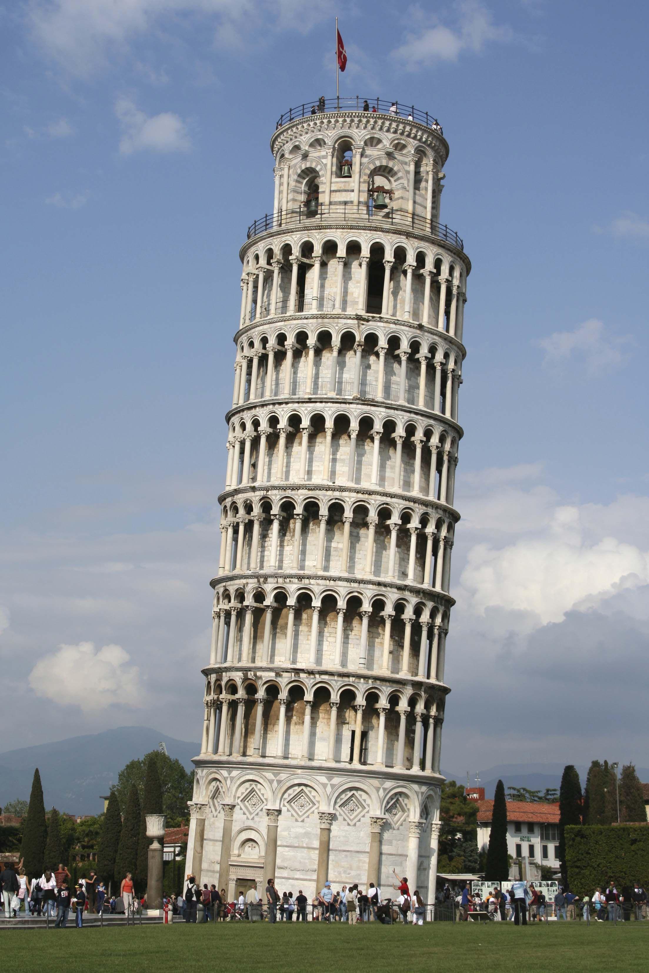 يقع برج بيزا في إيطاليا بمدينة بيزا في ولاية توسكانا بدا انشاء البرج في 8 أغسطس 1173 ميلادي وفي عام 1372 بني آخر الطوابق Tower Leaning Tower Of Pisa Pisa