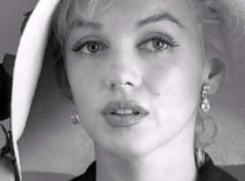 Another beautiful Marilyn photo.