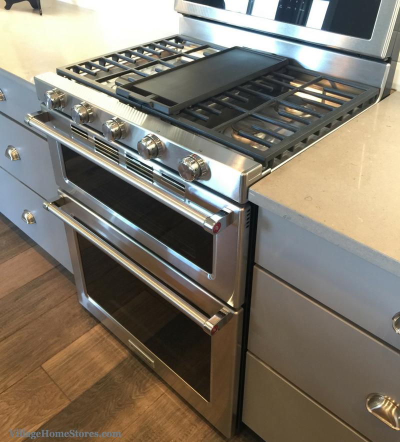KitchenAidu0027s Double Oven Gas Range In A Bettendorf, IA Home. |  VillageHomeStores.com