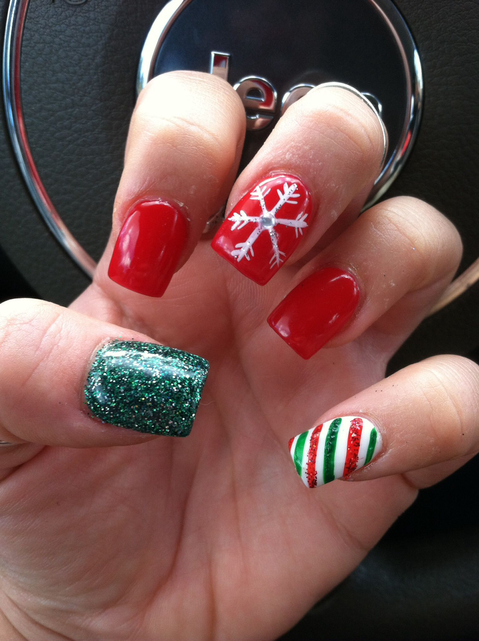 Christmas Gel Nails Christmas gel nails, Christmas nail