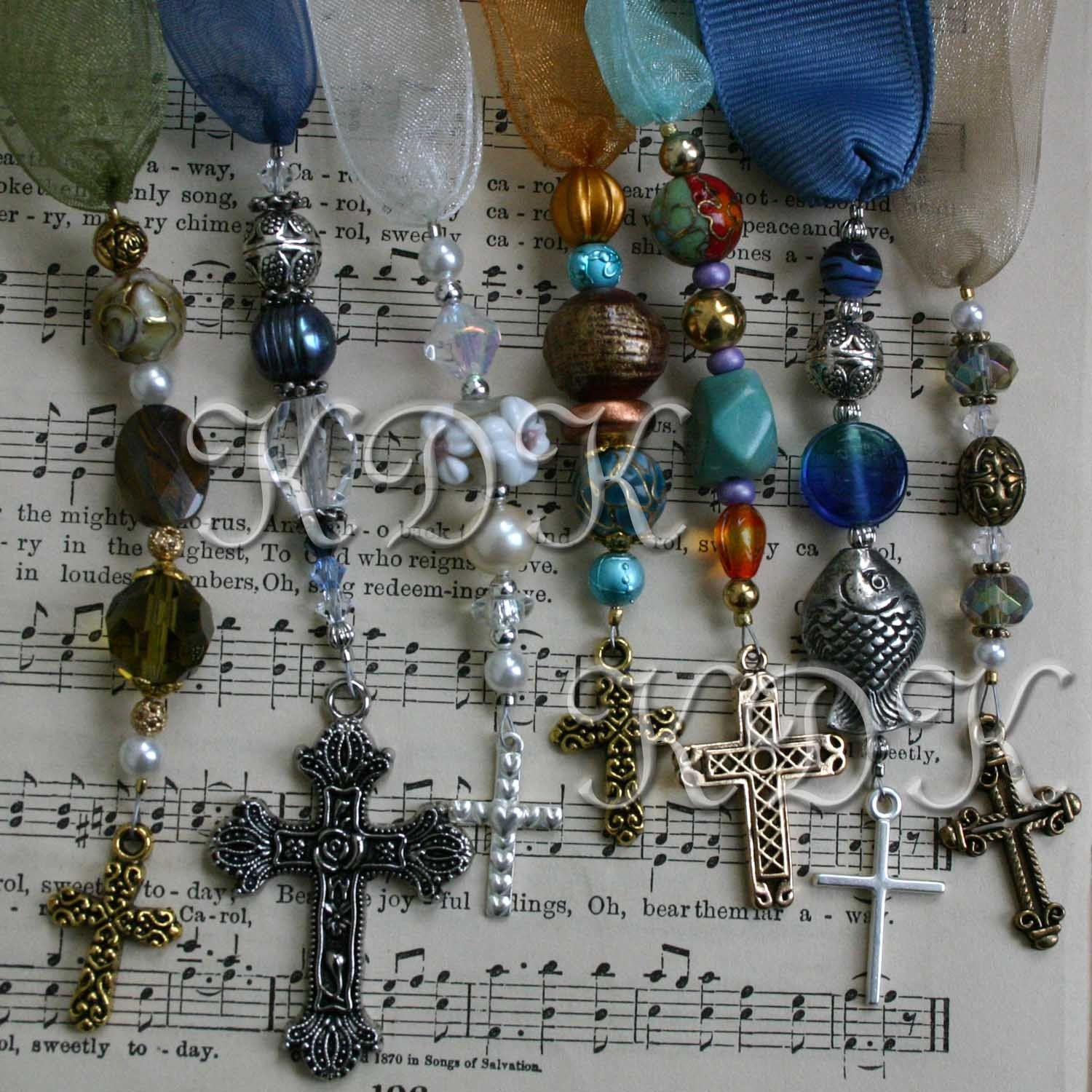 Tutorial for beaded bookmarks with ribbons beads charms   beaded.