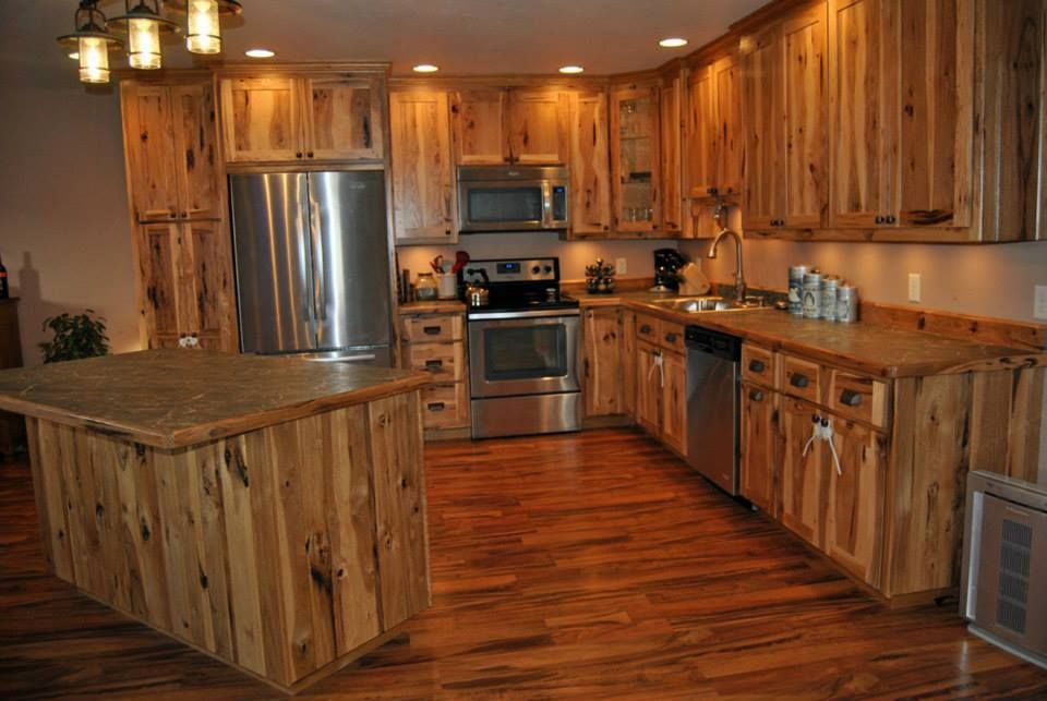 Rustic Hickory Lander WY kitchen in 2019 | Small kitchen ...