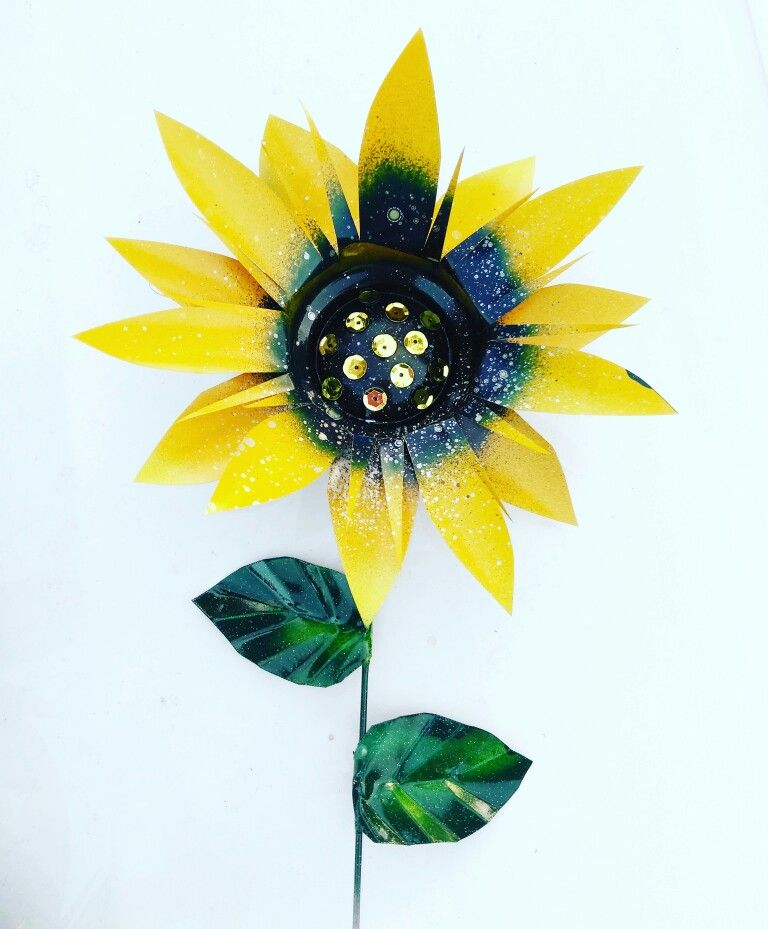 Metal Sunflower Garden Stake By Gardebdreamsdecor.Com