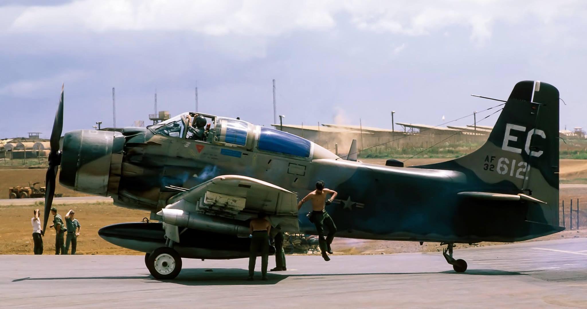 Douglas A-1 Skyraider Pleiku 67-68