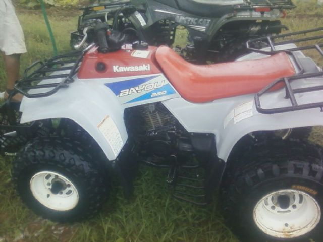 1995 kawasaki bayou 220 4 wheeler red white 200 hours for sale in due west sc atv. Black Bedroom Furniture Sets. Home Design Ideas