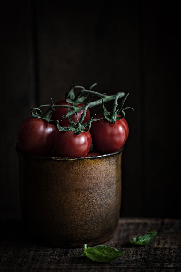 Cherry Tomatoes -Corinna Gissemann