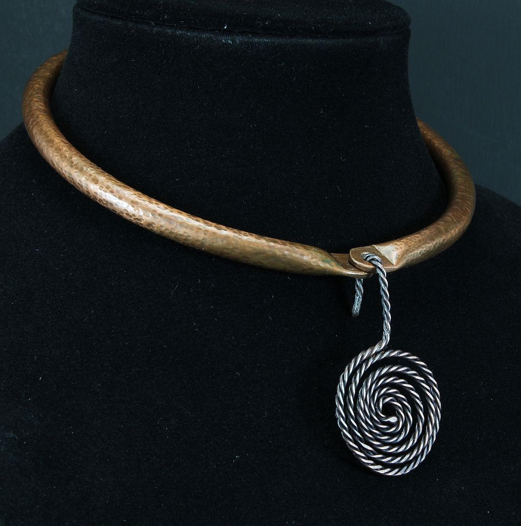 Choker collar, rear hinge, textured copper with patina, wire rope ...