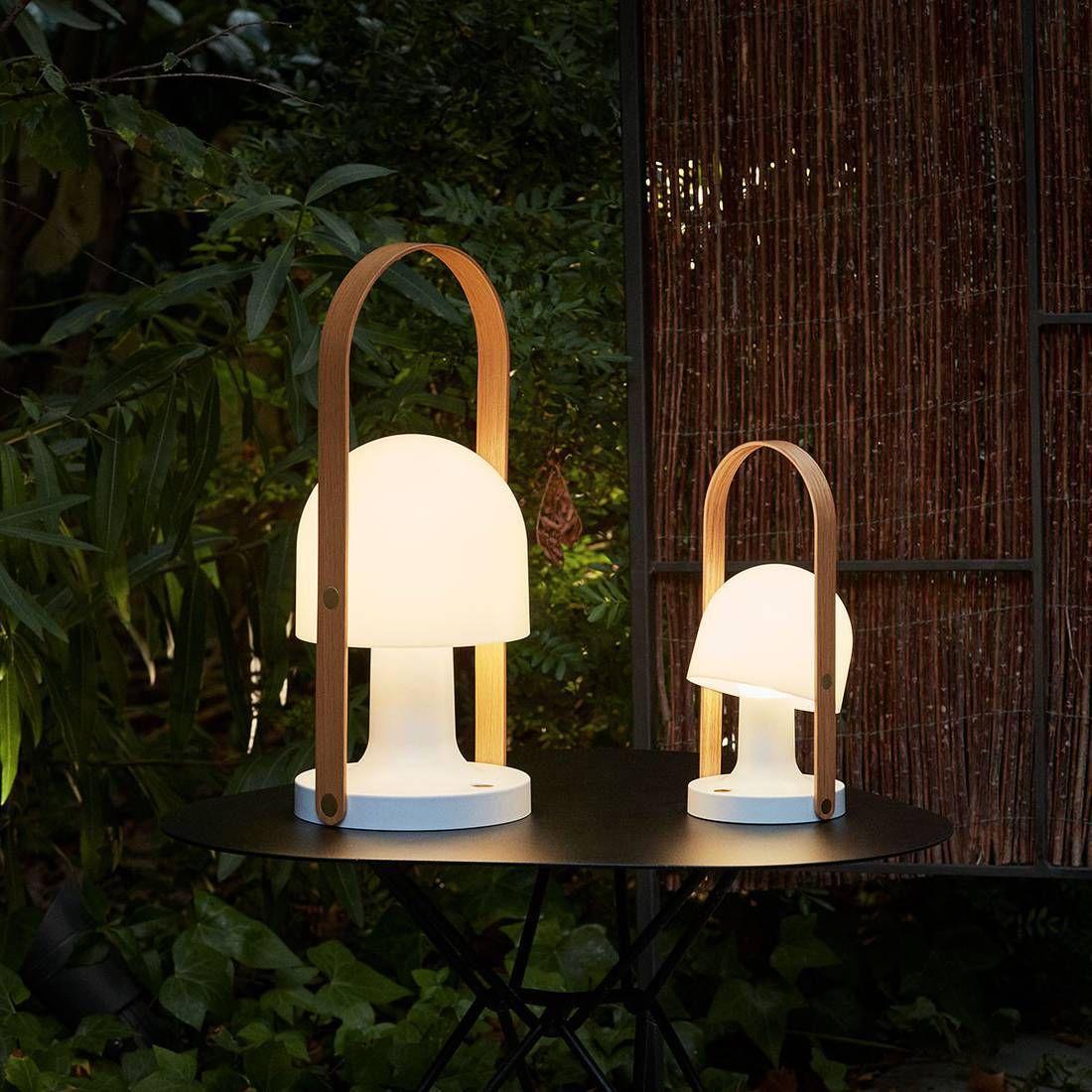 Lampe Baladeuse Led Rechargeable De La Collection Follow Me Plus De Marset Composee D 39 Une Structure En Polyca Baladeuse Led Lampe Design Luminaire En Rotin
