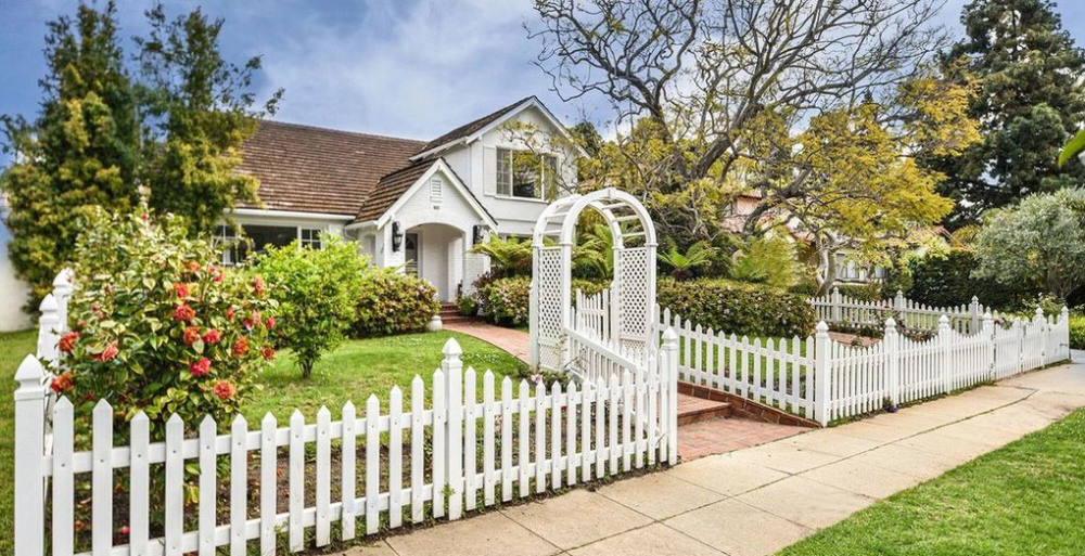 Lou Ferrigno Buys And Sells In California Dirt Outdoor Structures Santa Monica Estate Agency