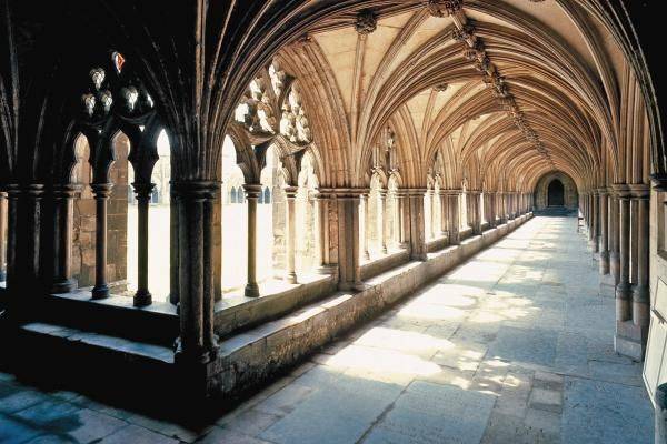 'Spires and Servants': Norwich Cathedral Cloisters, beautiful!