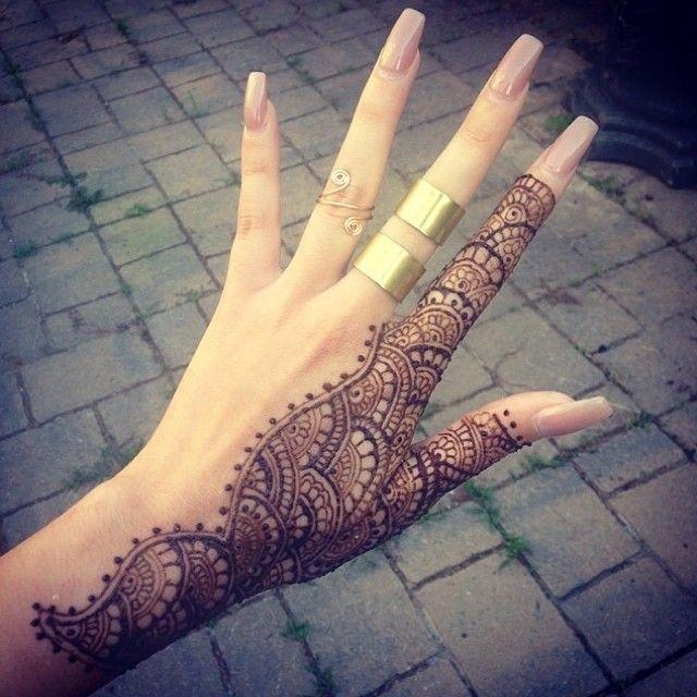 Mehndi Hands With Rings : Cool rings tattoos acrylic nails pink polish ☾ nailz