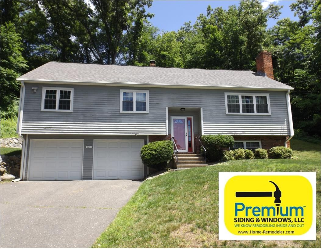 Before picture of raised ranch style home in southbury ct for Ranch homes with vinyl siding