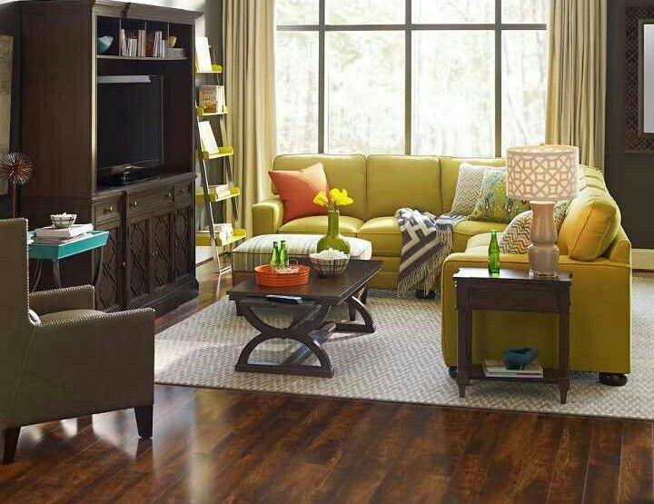 die besten 25 gelbe couch ideen auf pinterest goldenes. Black Bedroom Furniture Sets. Home Design Ideas