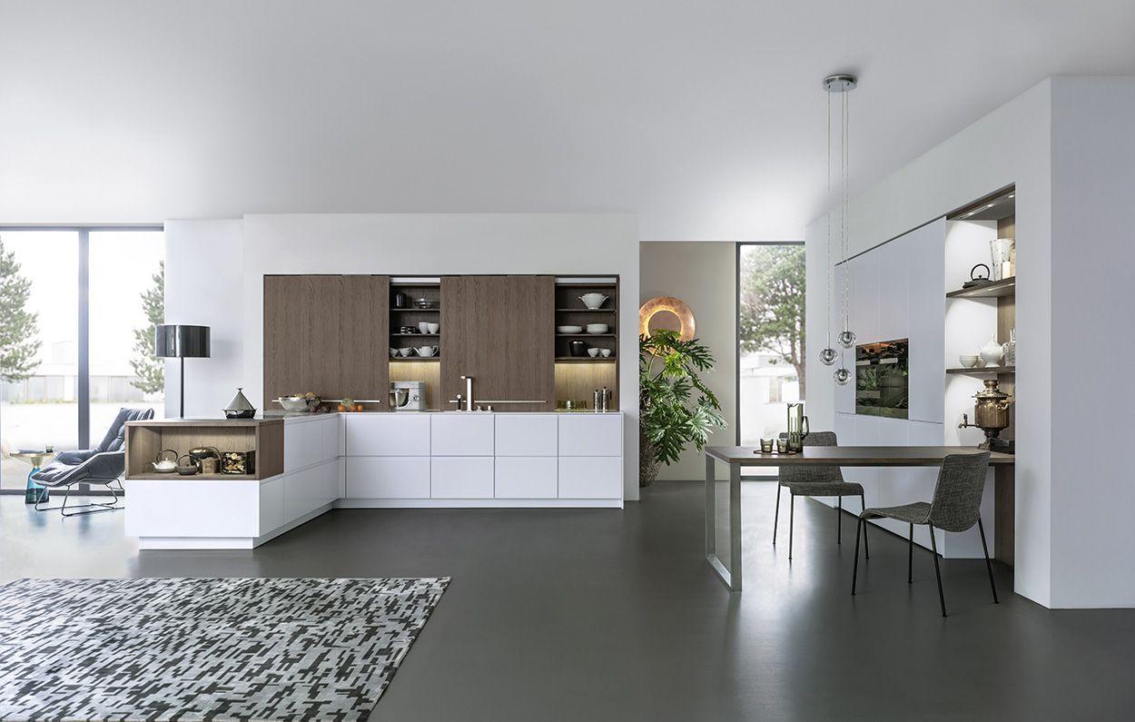 Design Keuken Showroom : Wildhagen moderne greeploze keuken met kastenwand en
