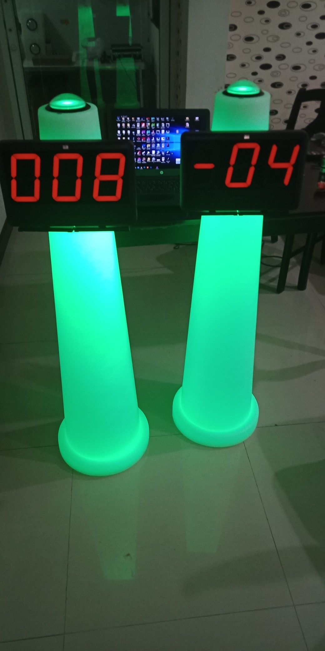 17++ Game show buzzers for classroom treatment