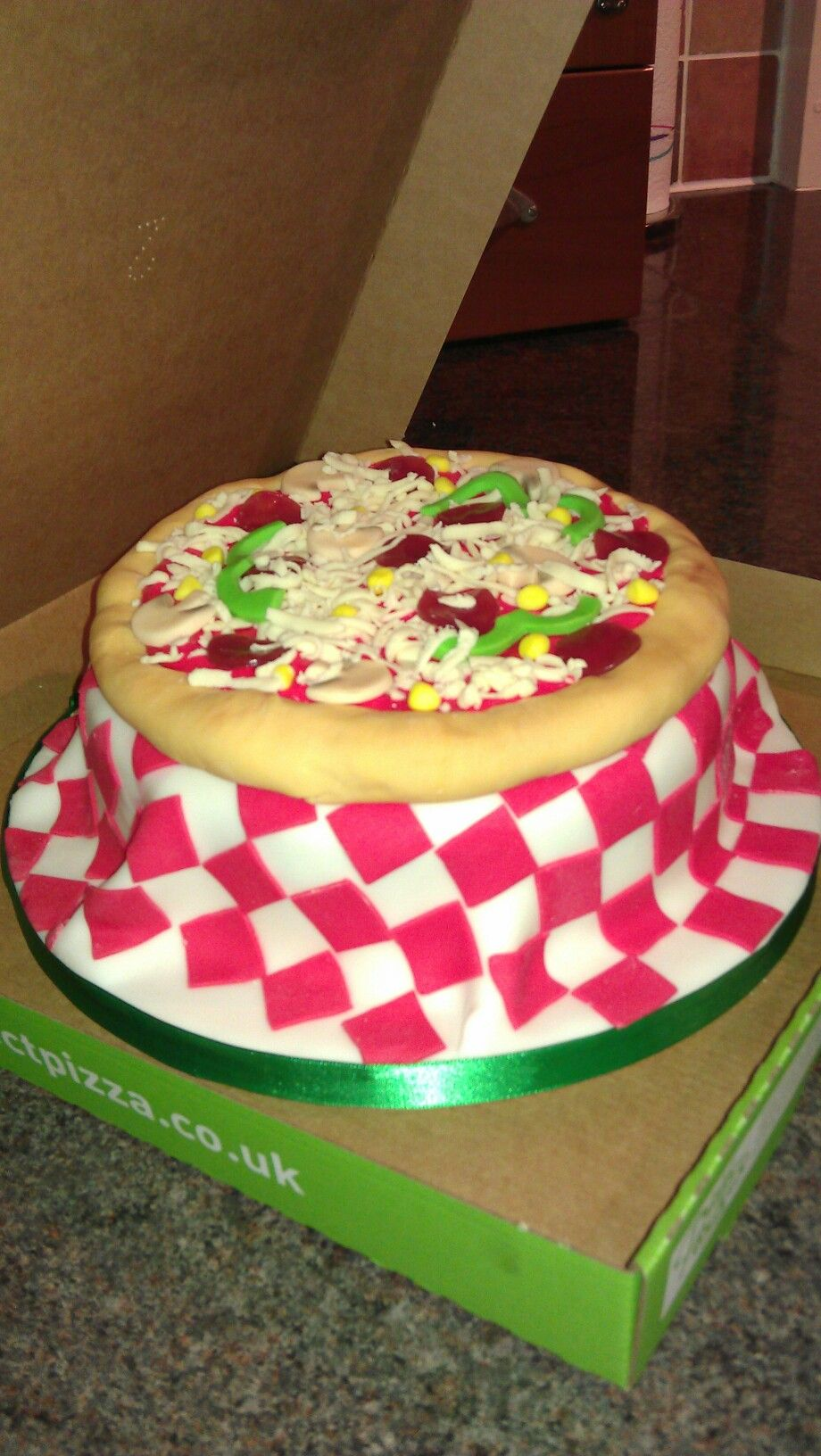 Pizza cake! I need to learn how to work with fondant :P ...