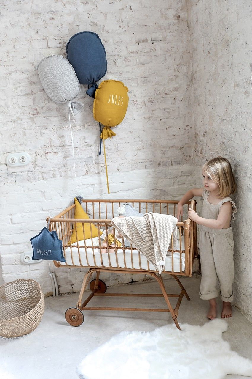Décorer Son Mur Avec Des Photos coussin personnalisé avec son prénom - décoration chambre