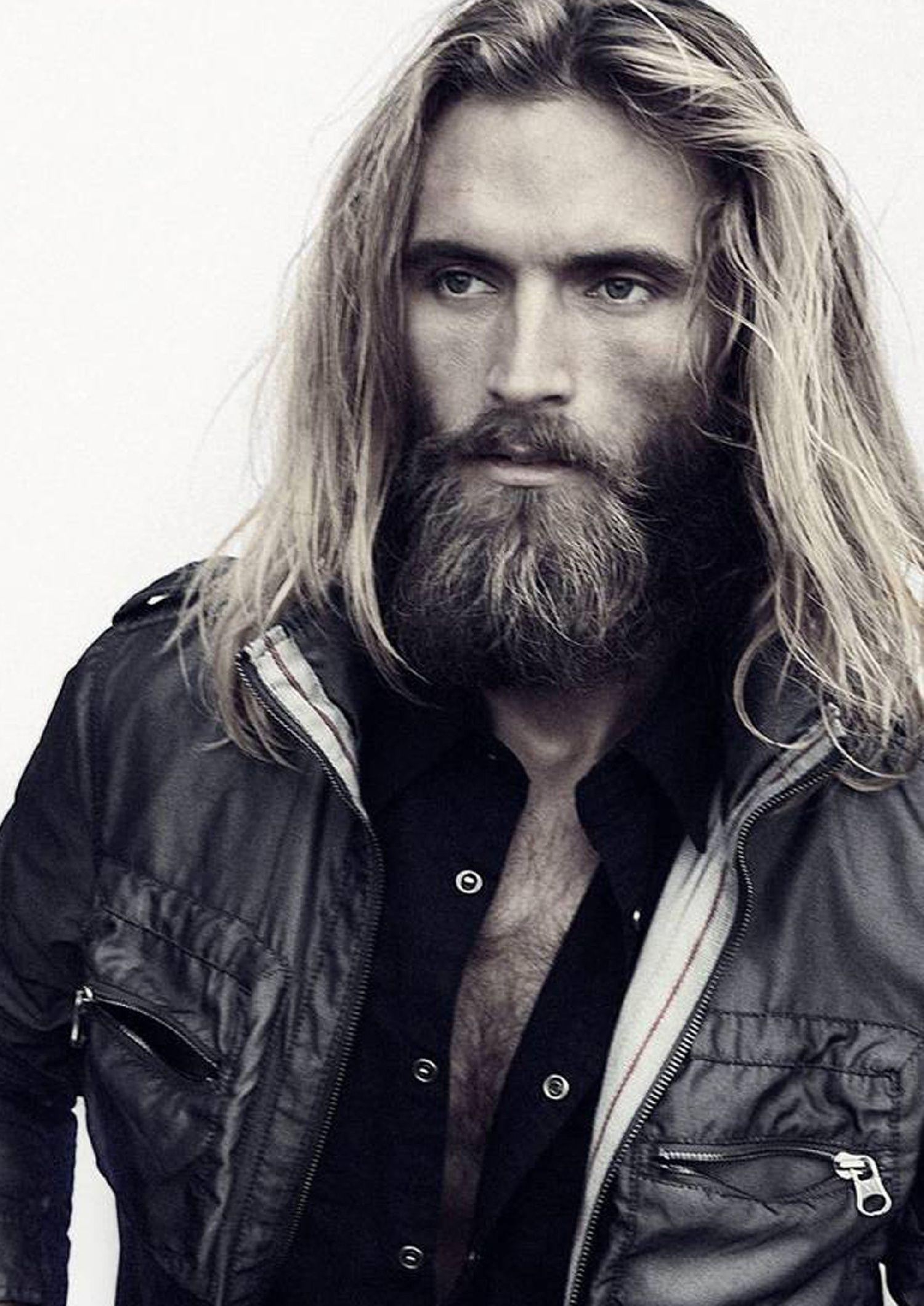 Platz Fur Manner Sedcard Long Hair Styles Men Long Hair Styles Handsome Bearded Men