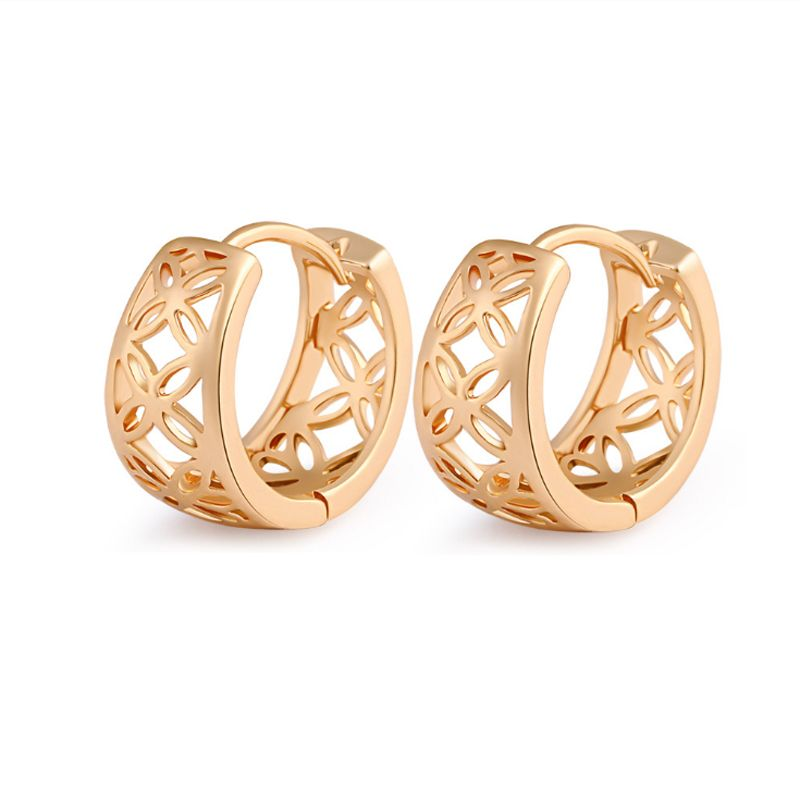 Top Quality Yellow Gold Color Hollow Flowers Small Hoop Huggie Earrings  Anti-Allergy Jewelry for