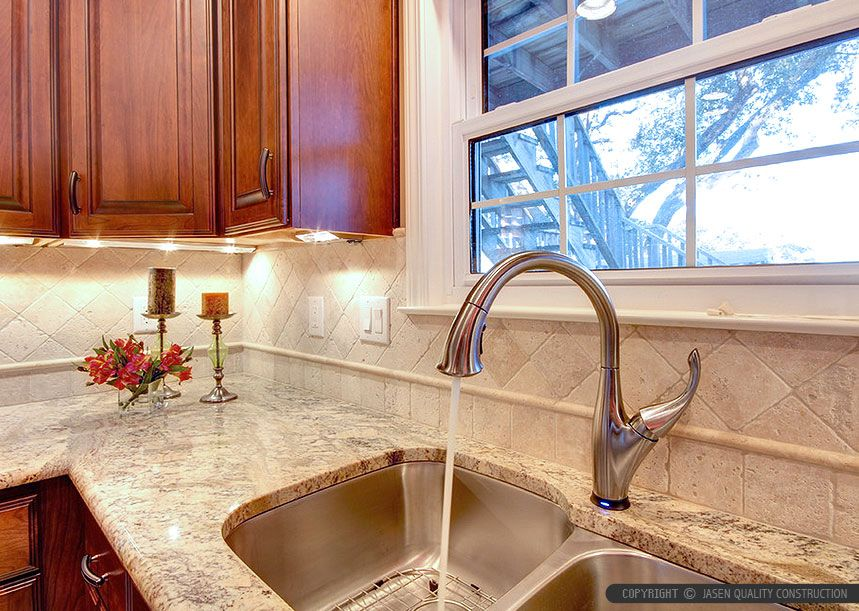 Brown cabinet 4x4 ivory travertine tile from backsplash for 4x4 kitchen ideas