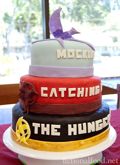 The Hunger Games trilogy cake. Best one I've seen! I WILL find a way to have this at one of my future birthday parties..