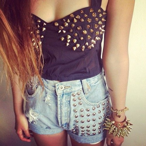 #spikes #spiked #corset #bustier #denim #jean #shorts #bracelet #outfit #fashion #style