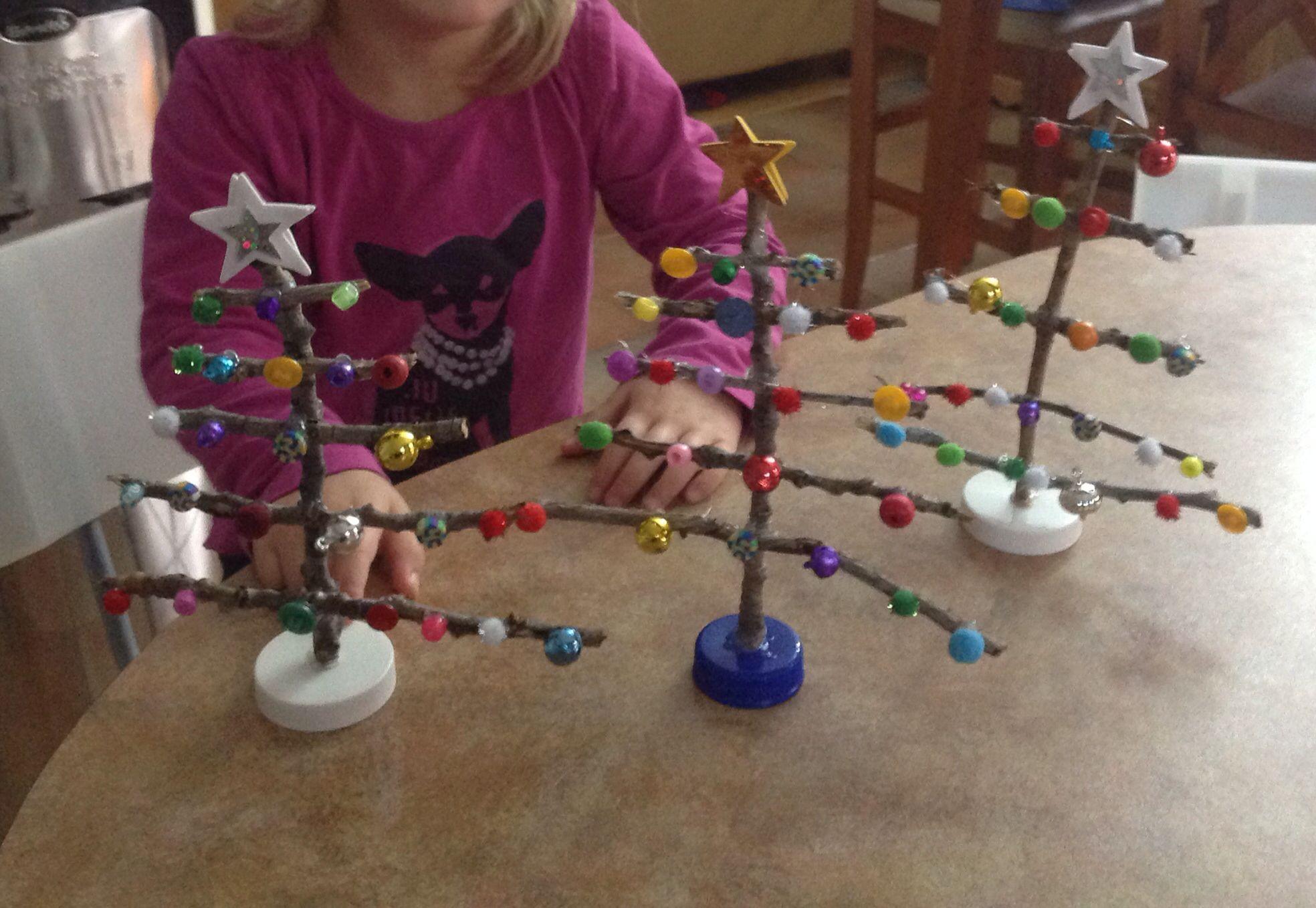 Branche D Arbre Sapin De Noel sapins de noel fait avec branche d'arbres   branche d arbre