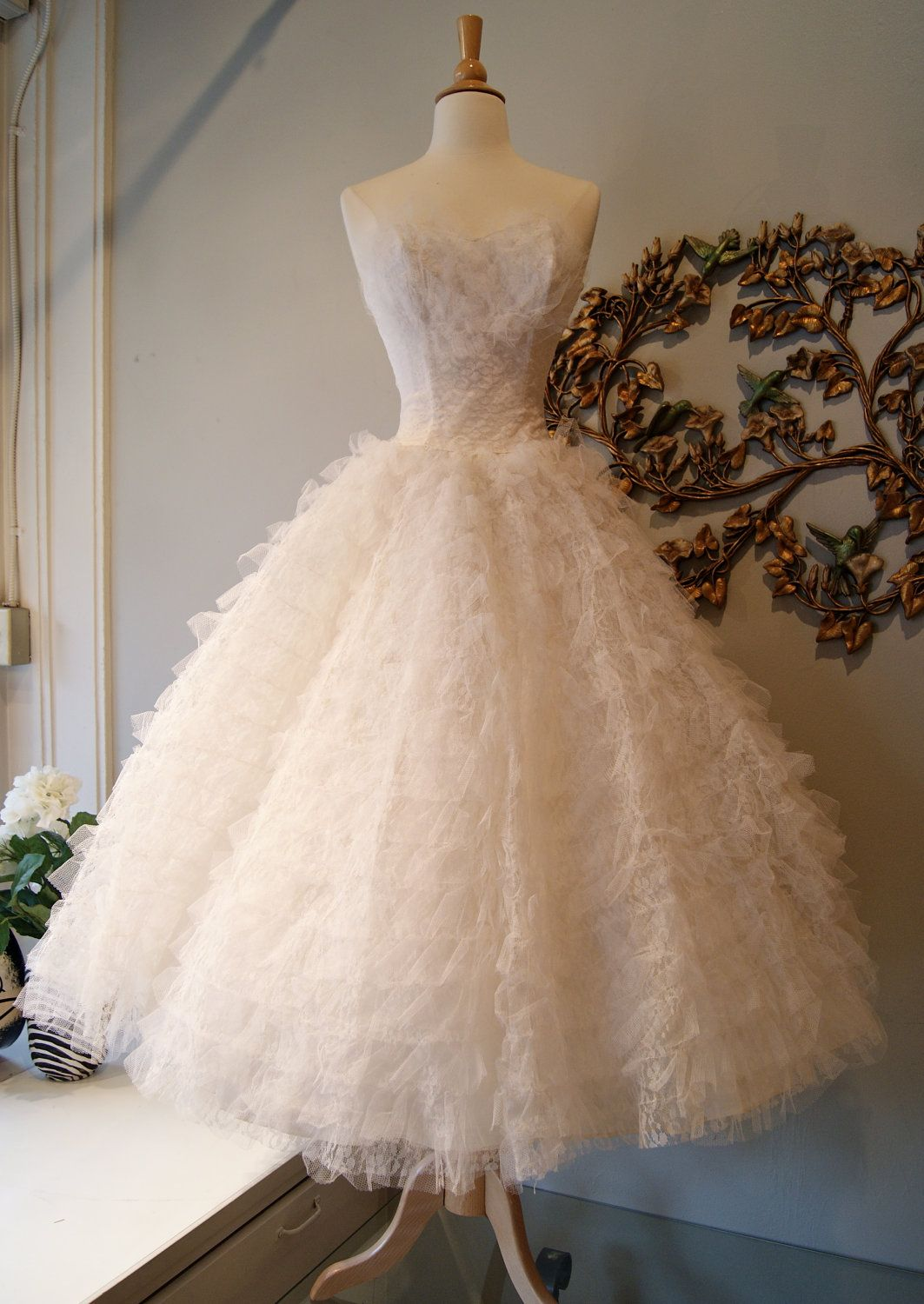 1950s Lace And Tulle Cupcake Strapless Tea Length Ballerina Wedding Dress