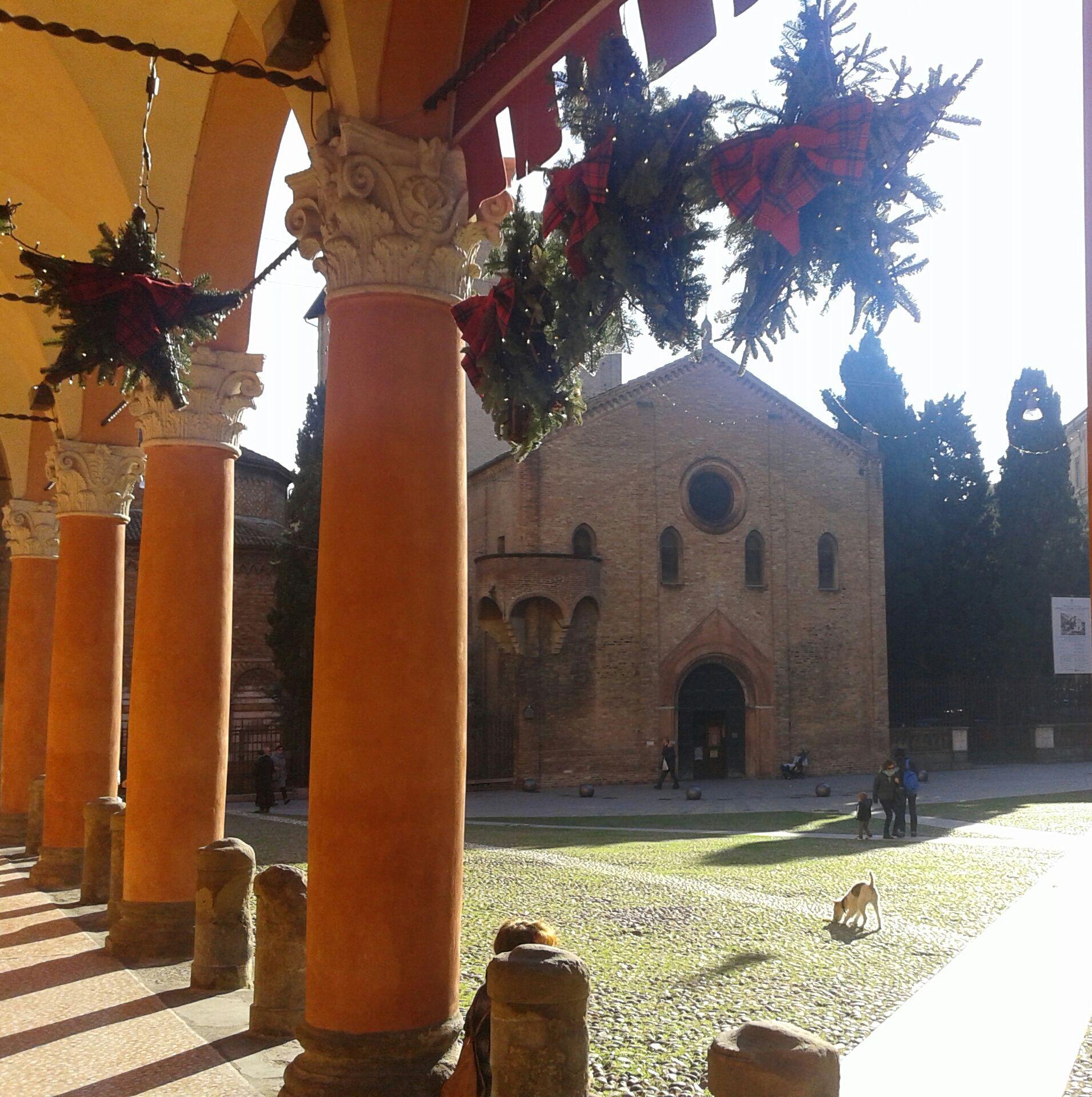 La piazza delle sette chiese...magica! Bologna Italia