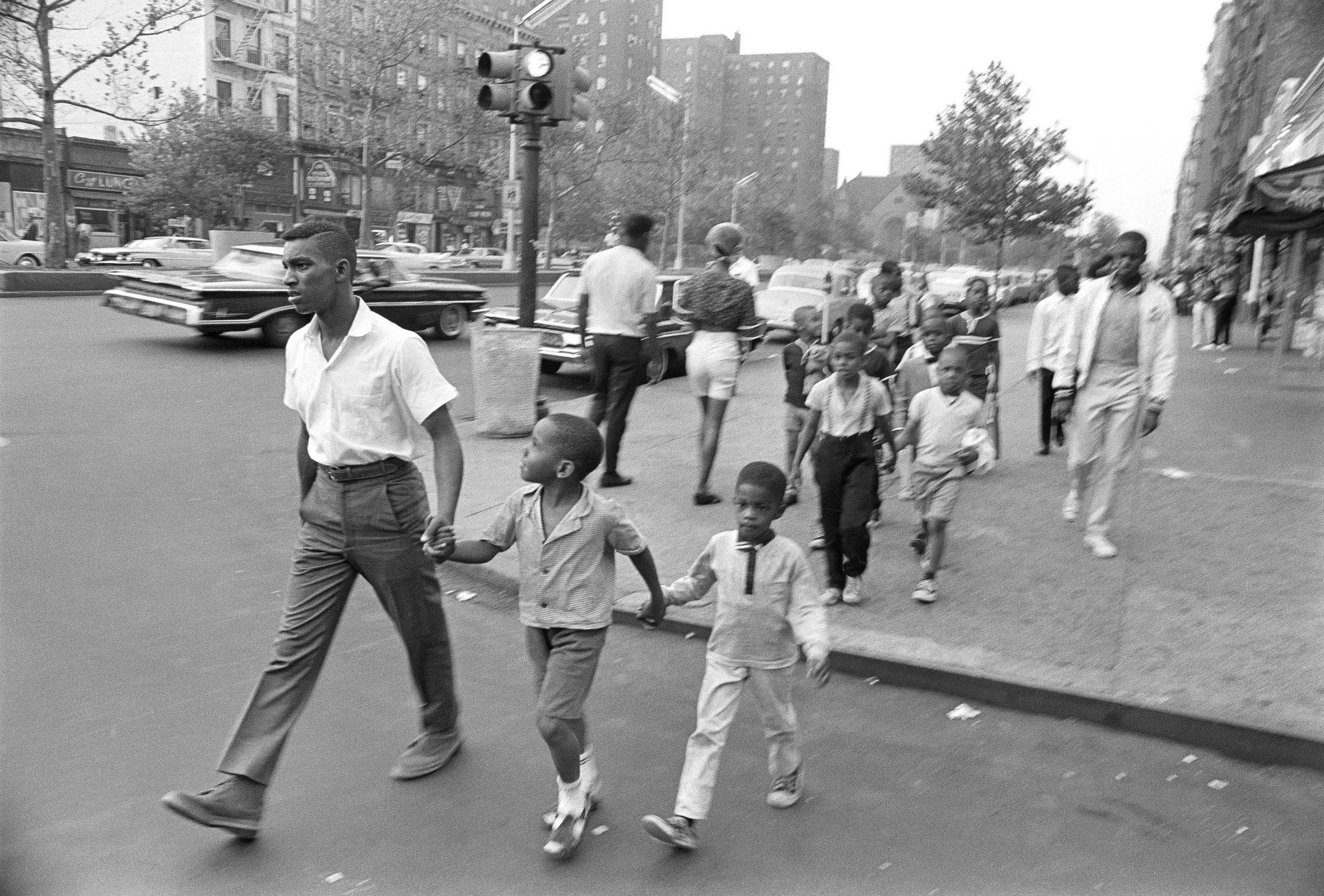 From Black-and-White Negatives, a Positive View of Harlem