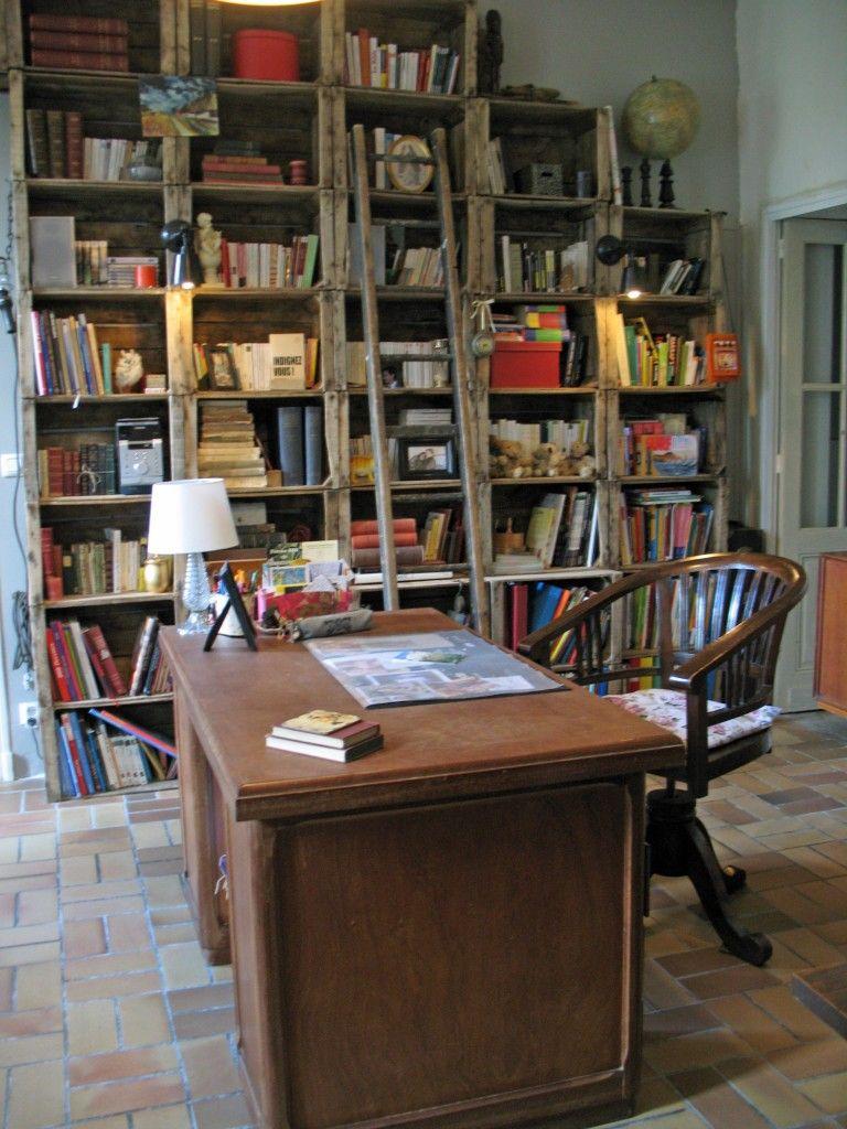 rangement avec caisses de pommes am nagement rangement. Black Bedroom Furniture Sets. Home Design Ideas