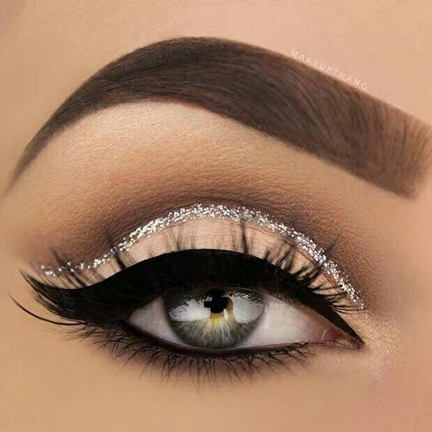 FOLLOW💍 Glo gang0 - sparkly and smokey eye makeup look - silver and creme  eyeshadow - eyeshadow cut crease for blue eyes - makeup ideas for blue eyes 52a0ccc3f0d6c