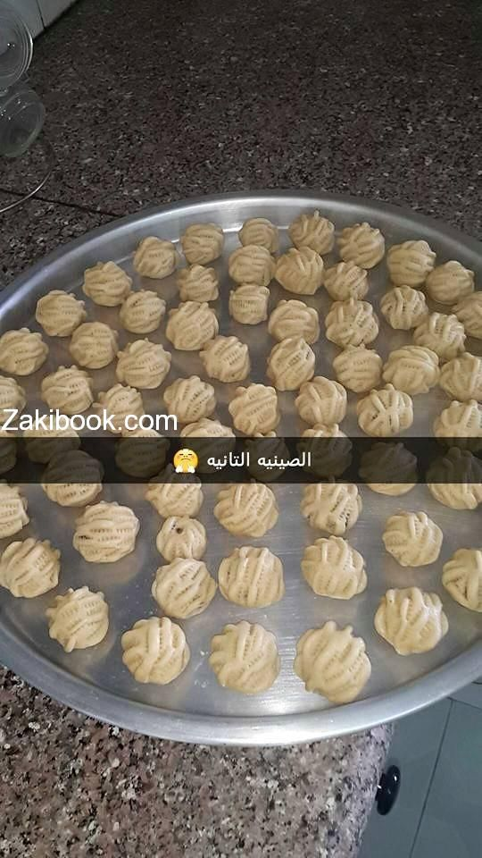 طريقة عمل معمول التمر زاكي Arabic Dessert Food Food And Drink