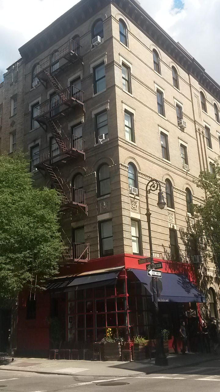 3 MORE DAYS! | Friends apartment, Nyc apartment, Trip