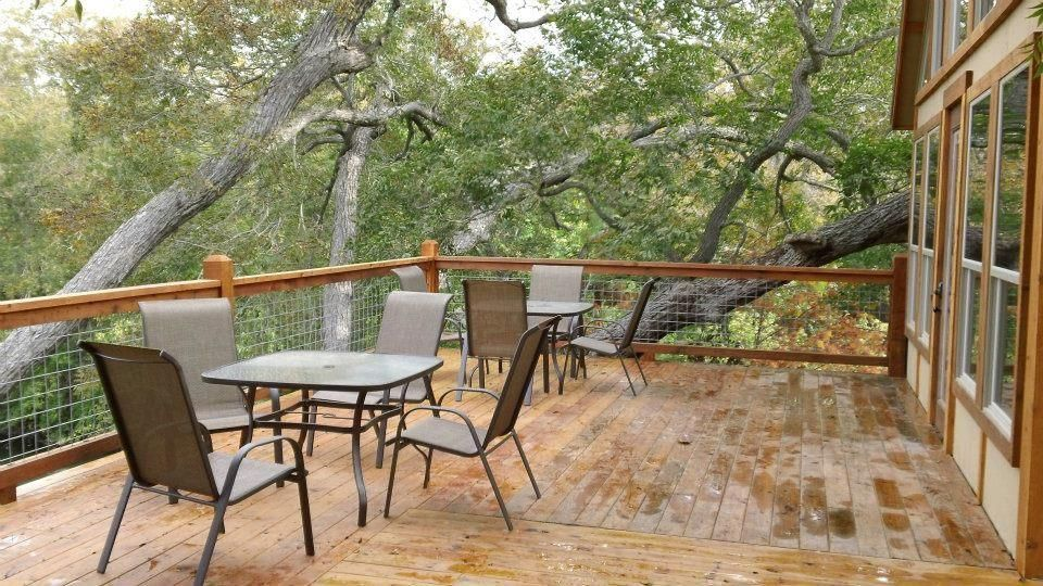 New Braunfels Cabin Rental   Deck   Each Cabin Has Itu0027s Own Area On The Deck