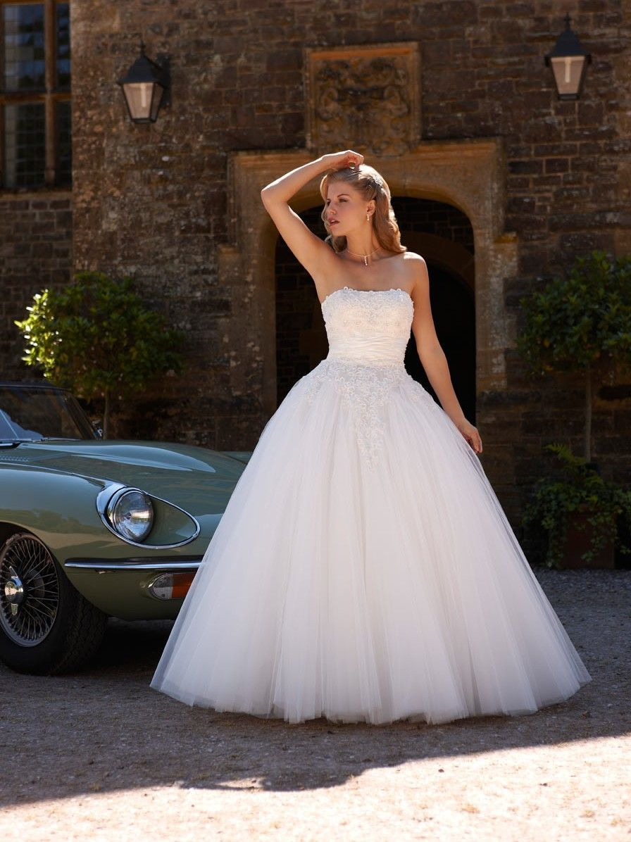 http://www.totalwedding.nl/collecties/bruidsmode/romantica ...