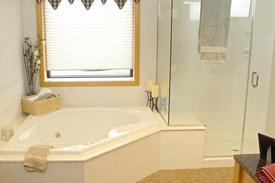 Corner Tub Meets Shower Tubs And Showers Corner Tub Tub