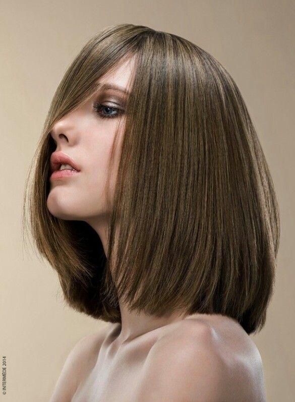 Color de cabello cenizo medio