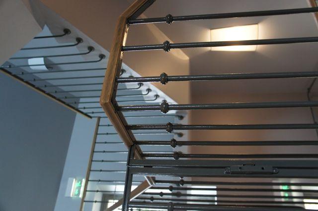 Garde corps en fer forgé et acier pour escalier dintérieur ...